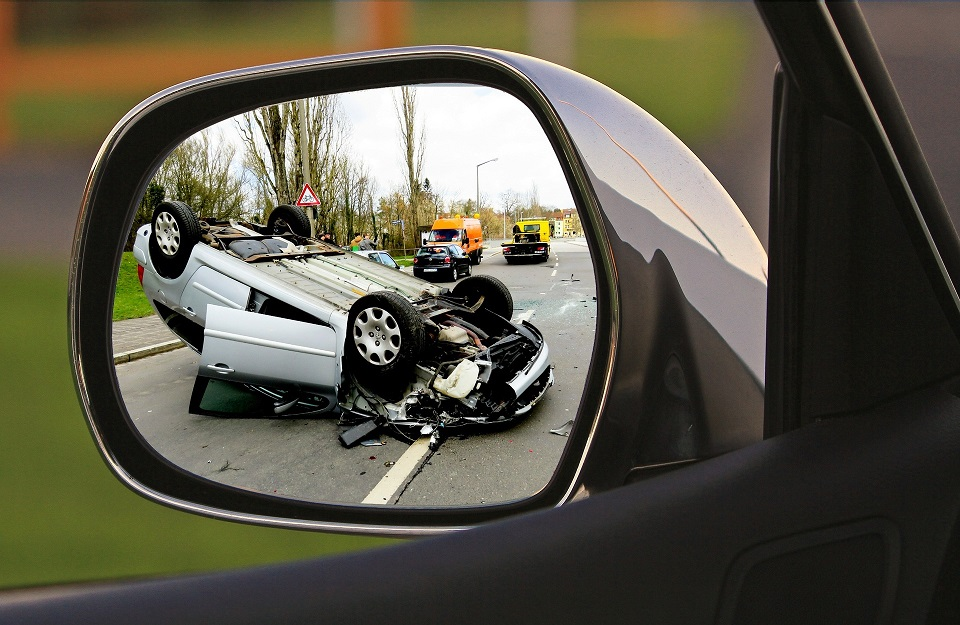 What MUST I Do if I Get Into a Traffic Accident in Illinois